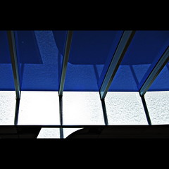 Piano (Maerten Prins) Tags: blue shadow sky white reflection glass arnhem ceiling trainstation transparent waterdrops upshot