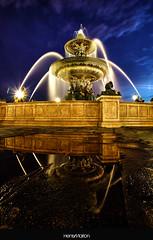 L'Heure Bleue (Henry_Marion) Tags: paris france canon concorde bp fontaine 1635 placedela canon5dmk2 baladesparisiennes henrymarion