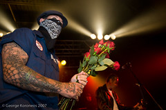Mike Ness impresses the ladies (George K. | GLK Creative) Tags: mike punkrock ness socialdistortion starlandballroom hangmen