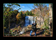 Webster's Falls Photo Op (Bill Strong) Tags: ontario waterfall hiking dundas webstersfalls niagaraescarpment brucetrail spencergorge tokina1116mm