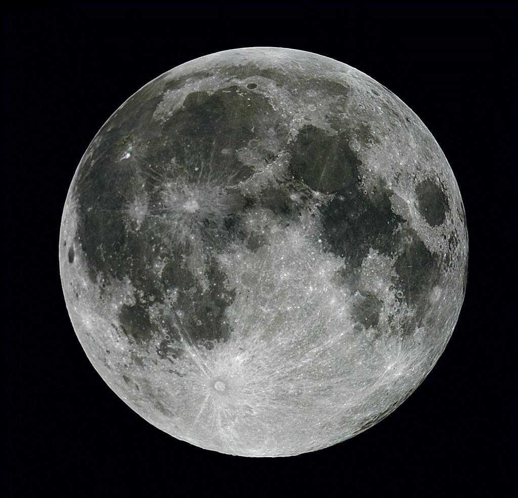 Full Moon taken about midnight 23 Oct 2010