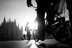 (Donato Buccella / sibemolle) Tags: blackandwhite bw italy milan bike sunrise alba milano flare duomo bicicletta lowangle fromtheground sibemolle mg84061