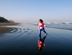 Reflections (johnrite) Tags: vacation reflection cute beach water reflections washington toddler child pacific elmo explore olympicnationalpark reflexions soe kalaloch blueribbonwinner explored platinumphoto anawesomeshot onlyyourbestshots isawyoufirst superbmasterpiece diamondclassphotographer flickrdiamond superhearts thebestpool top30greatreflections