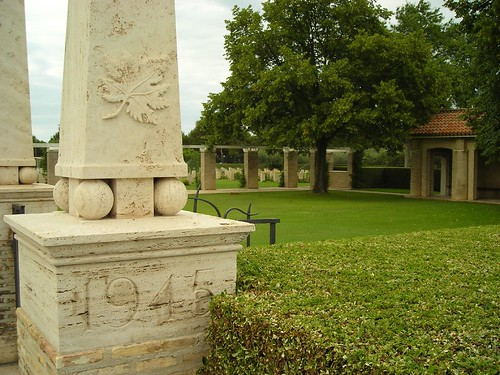 Moro river Canadian War cemetery (1939 - 1945)