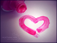 nailpolish heART. (*northern star) Tags: pink white macro love canon paper heart rosa concept bianca conceptual nailpolish bianco cuore amore carta vernice northernstar smalto fuxia 10faves donotsteal allrightsreserved northernstarandthewhiterabbit northernstar smaltoperugnhie usewithoutpermissionisillegal northernstarphotography ifyouwannatakeitforpersonalusesnotcommercialusesjustask