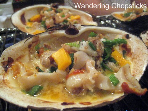 Mom's Geoduck Dynamite-Style and Chao Oc (Vietnamese Rice Porridge with Clams) 1