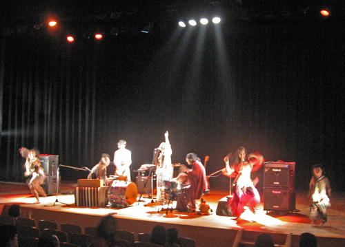 10-15-10-Japan-Tateyama-concert-RabiRabi with Saya, Yasu, Ellie and child dancing2.jpg