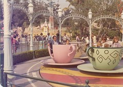 My Uncle Ralph and Me on the Mad Tea Party (Loren Javier) Tags: california me disneyland dumbo disney anaheim fantasyland aliceinwonderland madteaparty disneylandresort lorenjavier ralphromasanta caseyjuniorcircustrain