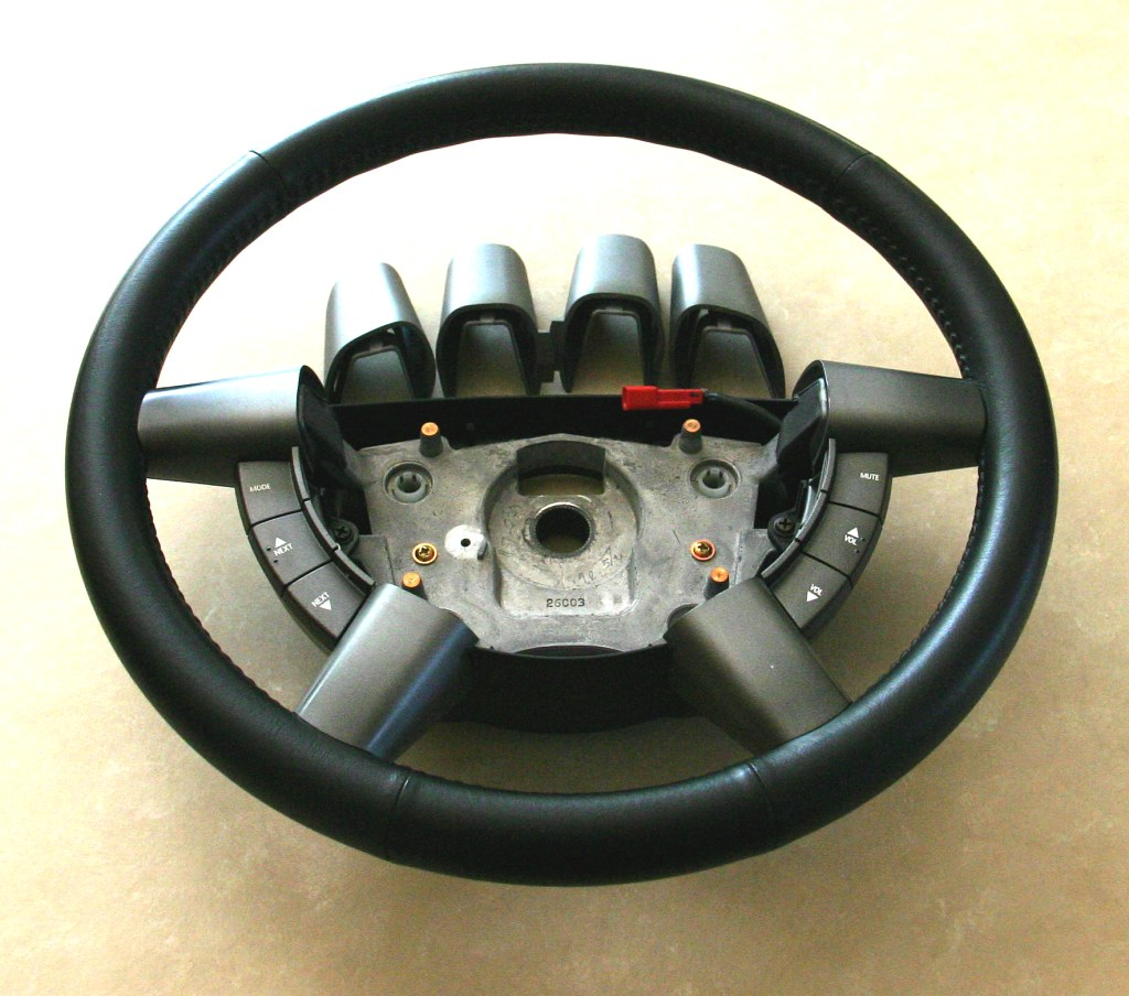 FS [VIC, AUST] VY Commodore Leather Steering Wheel, VT-VZ Flat-blade