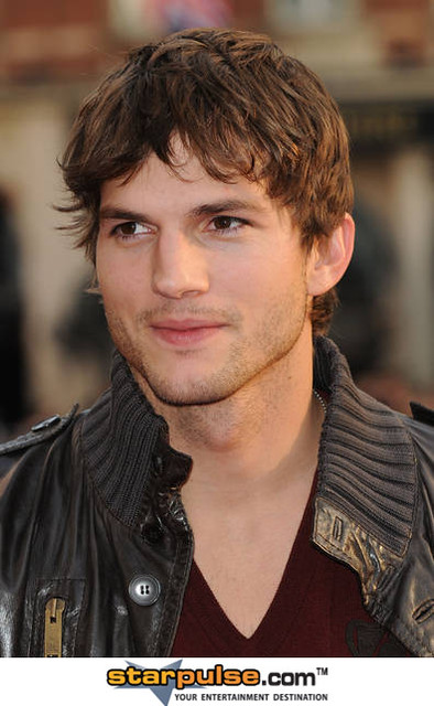 Ashton Kutcher-SPX-020881 by Clara.Andriola