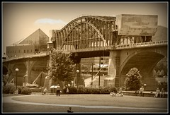 Historic Bridge in Chattanooga (point_click_shoot) Tags: park street bridge mountain lake elephant art chattanooga museum river georgia frost market tennessee district volunteers hamilton walnut bridges houston lookout chester battlefield picnik chickamauga riverbend cooliage