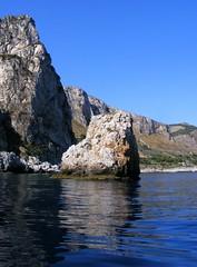 Mon Gerbino (Alessio Quagliata) Tags: sea italy italia mare sicily palermo riflessi sicilia scogli reflexes scoglio mongerbino