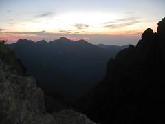 Depuis le bivouac : coucher de soleil sur la vallée supérieure du Fangu