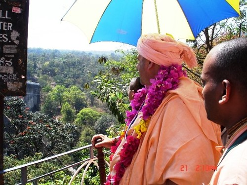 H H Jayapataka Swami in Tirupati 2006 - 0050 por ISKCON desire  tree.