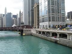 IMG_1112 (StillonHolliday) Tags: usa chicago 2007 reddot