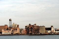 Williamsburg-Greenpoint Industrial Waterfront (maijau) Tags: nyc newyorkcity abandoned brooklyn geotagged eastriver williamsburg greenpoint industrialwaterfront geo:lat=40728495 geo:lon=73961012 demolitionarea