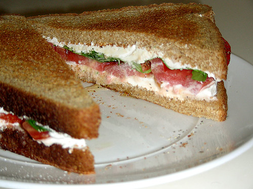 "Tomato, Cream ""Cheese"" and Basil Sandwich"