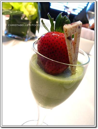 世貿聯誼社西餐廳綠茶巴巴露