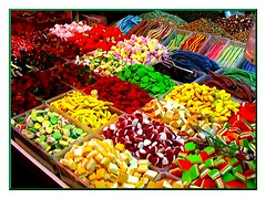 Le Principesse Son Caramelle ... (gramigna2007) Tags: red green yellow candy sweet couleurs colori mercato dolci caramelos farger kleuren caramelle coloridos colorate gommose