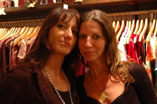 Las Dos Lunas fashion market: 16/06/10