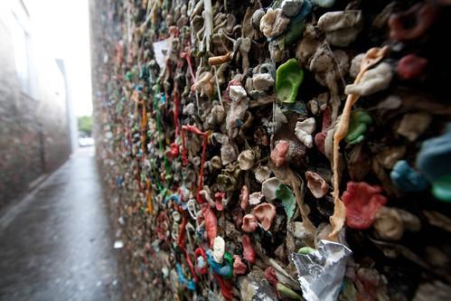 San Luis Obispo gum wall