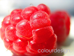 Framboise (sweetcherrypie ) Tags: light red luz fruits fruit canon luces rojo berries fruta lara varias silvestre consuelo roja s5 frambuesa sweetcherrypie fiveflickrfavs consuelolara seetcherrypie
