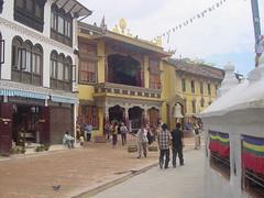 templos alrededor de la stupa