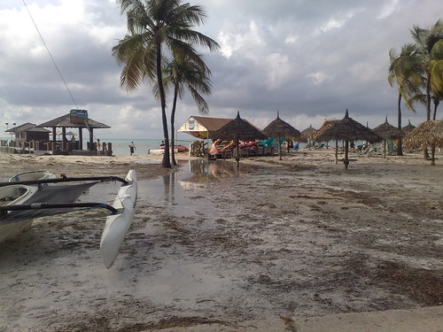 Pics: Aruba Beaches Clobbered