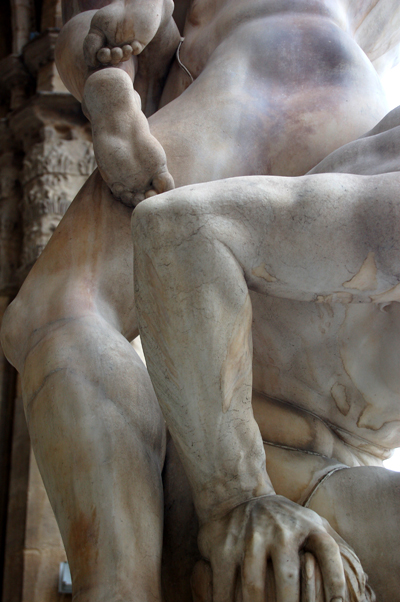 sabine women detail