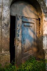 puertita treboles.jpg (guillePagano) Tags: door old blue puerta chica small vieja treboles puertita diamondclassphotographer flickrdiamond