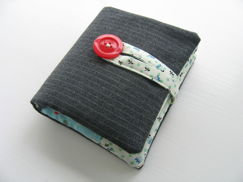fabric wallet outside