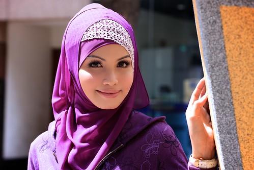 [フリー画像] 人物, 女性, アジア女性, ヒジャブ, マレーシア人, 201010272100