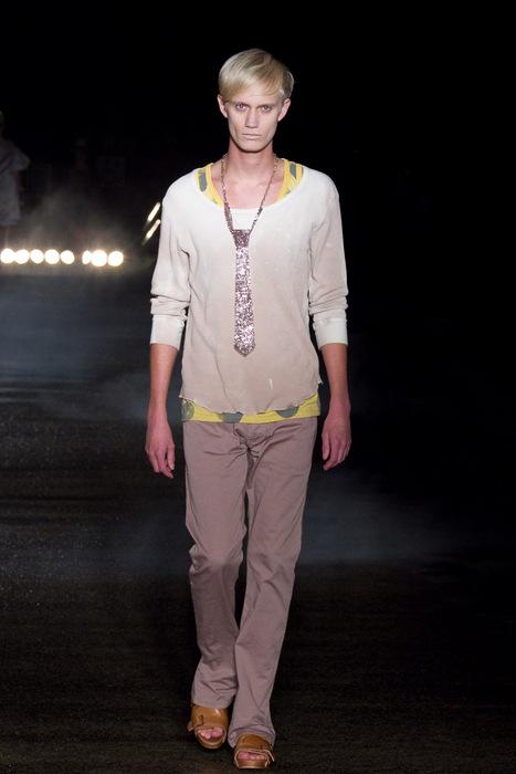 Nicolai Haugaard3066_SS11_Tokyo_Davit MEURSAULT(Fashionsnap)