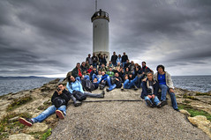 "Grupal Faro do Roncudo - ""Brave New World"" (Salvador Moreira) Tags: ocean sea sky people lighthouse water faro mar cabo agua nikon corua gente crowd group sb600 altas photographers wideangle atlantic tokina galicia galiza cielo grupo kdd angular hdr oceano rias atlantico grupal fotografos roncudo d90 1116 atx116 kddsvigo"
