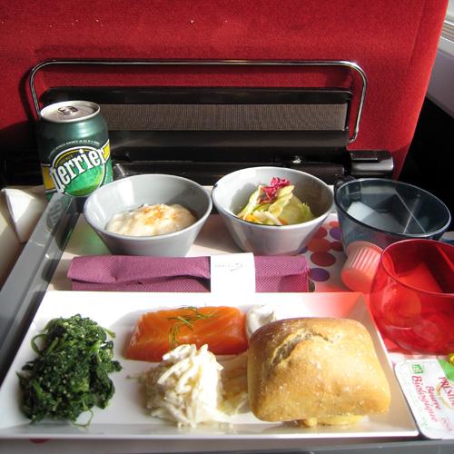 Plateau repas servi en première classe dans le Thalys
