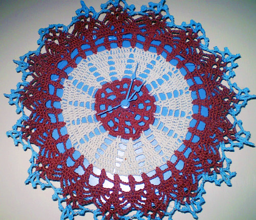 DIY doily clock