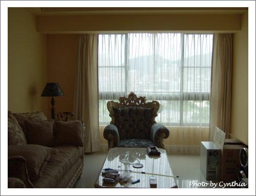 客廳窗簾-白天