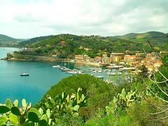 Elba (Nespyxel) Tags: elba panoramic panorami villagesandsmalltownsoftheworld wieves nespyxel stefanoscarselli pleasedontusethisimageonwebsites blogsorothermediawithoutmyexplicitpermissionallrightsreserved