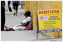 (Neemias Oliveira) Tags: brazil d50 pessoas nikon gente cotidiano mulher mendiga esmola pedinte pobreza misria neemias duetos