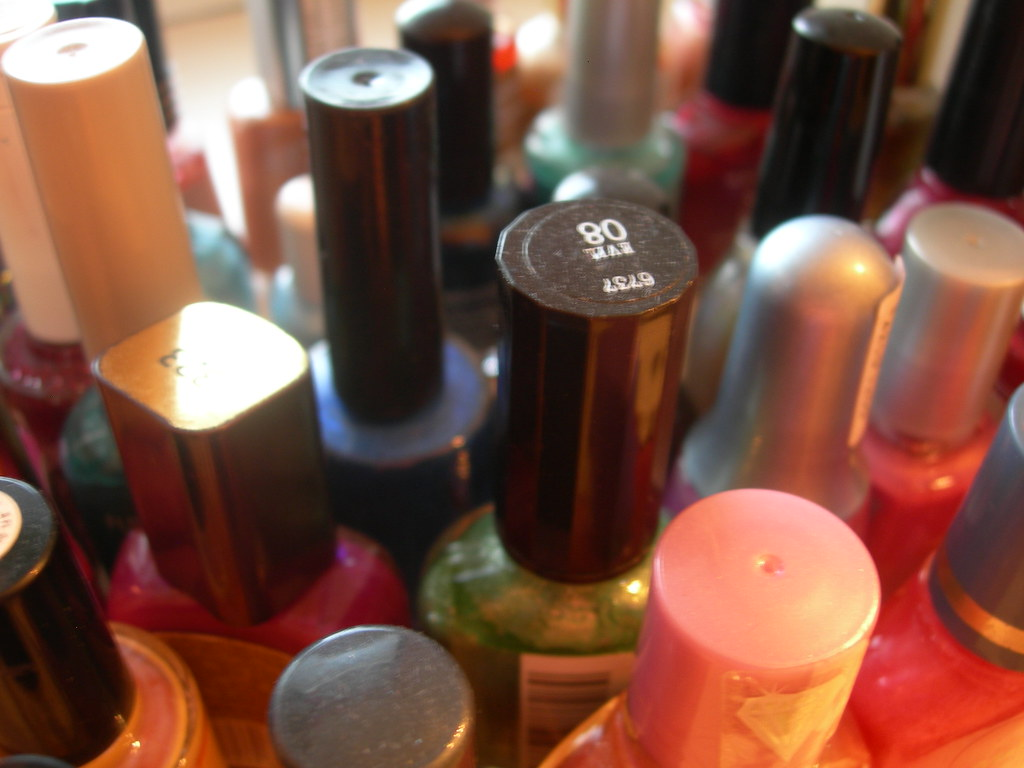 Style Tray: Bathroom--six billion nailpolishes