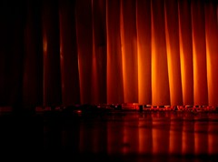 intermedio (Musa...) Tags: mesa espiando pliegues bajolamesa anawesomeshot comoesarribaesabajo entrelneas escabullirse demantellargo entrehorizontalesyverticales enelmatriderod obviamentenocorraalcanzarelramo msbienmequedcercadelamesadelostragos despliegues despligame ladelgadalnearoja yalejauntalespritusanto