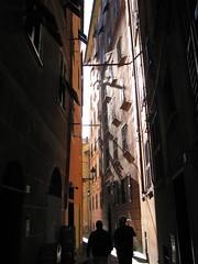 IMG_7897 Camogli (Silvan Mugliett) Tags: street italien shadow italy architecture italia liguria camogli italie italianriviera rivieradilevante rivieraligure
