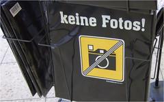 Zensiert (BlueBreeze) Tags: germany deutschland foto zensur nocensorship baumarkt keinefotos keinezensur flickrlaunchparis