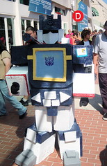 Comic Con 2007: Soundwave (earthdog) Tags: vacation 15fav costume sandiego transformer cosplay badge comiccon needstags 2007 decepticon soundwave comiccon07 comicbookcon chrisvacation upcoming:event=95580 needscamera needslens