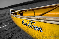 Old Town Canoe (photo.klick) Tags: lake beach yellow sand canoe photoblog oldtown hammillake cmwdyellow katsingercom