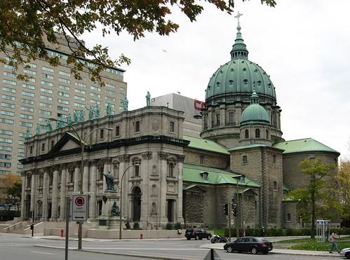 Thumbnail from Basilique-Cathédrale Marie-Reine-du-Monde