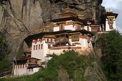 Tiger's Nest Monastery (VinayakH) Tags: cliff bhutan buddhist monastery dzong paro himalayas tigersnest taktsangmonastery