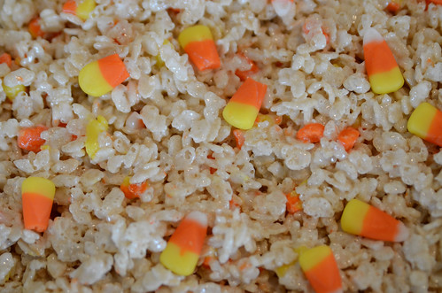 halloween-krispie-treats-5