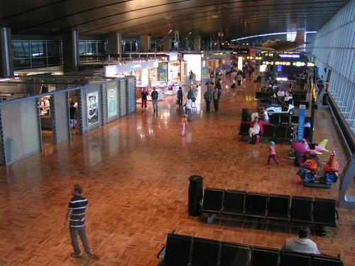 Helsinki Flughafen von Innen
