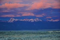 Sunset Over The Sangres (pam's pics-) Tags: sunset sun mountains colorado sanluisvalley co rockymountains sangredecristo pammorris may2010 joyfuljourneyhotsprings nikond5000 denverpam
